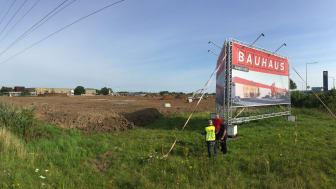BAUHAUS har i mange år haft planer om at bygge et varehus på denne grund over for Kolding Storcenter. Planen er lykkedes, og til foråret åbner byggemarkedskæden et godt 14.000 kvadratmeter stort og topmoderne varehus.