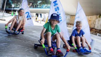 Sommerens store hit på M/S Museet for Søfart er rumperolleræs i dokken. Hver dag i skolernes sommerferie er der særlige aktiviteter for børn og familier. I år kan børnene også bygge en hjuldamper og søsætte den i bassinet.