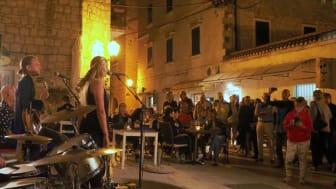 Autumn Leaves International Jazz Festival tuo musiikin Makarskan kaduille, ravintoloihin ja hotelleihin.