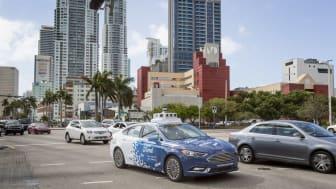 A Ford önvezető autója Miamiban 2018 tavasz