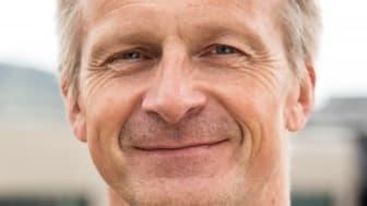 Kronikk på nenyheter.no av Kjetil Gulbrandsen, prosjektleder for «Merverdien av grønne bygg». Han underviser til daglig i energi- og miljøfag ved Høgskolen i Østfold.