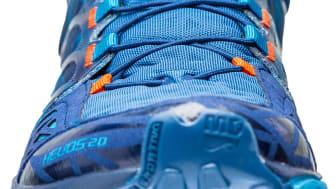 Lätt trailsko att både springa och gå i - La Sportiva Helios 2.0