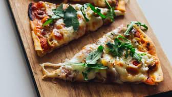 mnd-grilla-pizza-lufftorkad-skinka