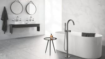 Her ses håndvask- og badekarsarmaturer fra den nyfortolkede ATRIO-serie.