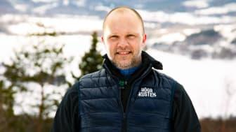 Mikael Englund är ny verksamhetsledare för Höga Kusten Turism. – Det känns jättekul! Jag ser fram emot att tillsammans med medlemsföretagen och det offentliga arbeta för att ännu fler nationella och internationella besökare hittar till Höga Kusten.