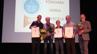 Pristagarna i Årets byggnadsvårdare 2018. Från vänster Gunnar Almevik, Jens Böhn (Årås kvarn), Kerstin Johansson, Göran Nyman och Gösta Isaksson (Årås kvarn) Foto: Anette Lund