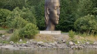 Konstnären Jaume Plensas skulptur Julia