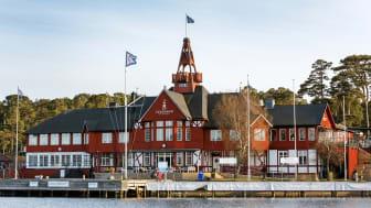 Renovering på Sandhamn Seglarhotell, sedan ett par år tillbaka arbetar man efter en femårsplan för att lyfta standarden såväl exteriört som interiört.