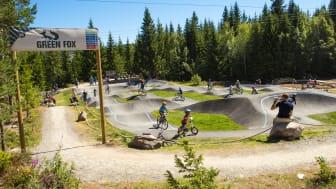 Sykling i sykkelparken er veldig populært i Trysil, både for store og små. Foto: Fredrik Otterstad