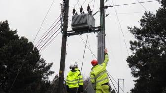 Selv om Kragerø Energi har en forholdsvis liten organisasjon, opplever nettselskapet stadig større press på effektivisering og sammenslåing av driftssentral med andre nettselskap. Men Kragerø ønsker heller å effektivisere på andre måter.