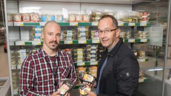 Osuuskauppa Hämeenmaan asiantuntijan Lauri Pihlin ja Freshin myyntipäällikkö Petri Tähtisen yhteistyön tavoitteena on lisäarvon luonti.