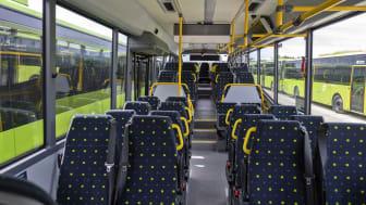 Laventré-bussene har lavt og flatt gulv mellom for- og midtdør. Det letter inn- og utstigning i vesentlig grad.