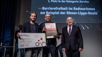 Das Team von Ruhr Tourismus & Rudolf Jelinek beim Deutschen Fahrradpreis © Deutscher Fahrradpreis / Andreas Endermann