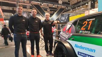 Adde, Emil och Micke i Team Kågered. Här med TCR-bilen i Nedermans monter.