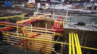 Arbeider under bakken_bilder fra tilsvarende oppdrag for Bærum kommune (Foto Norconsult)