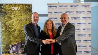 Photo from left: Group CCO René Falch Olesen with Sigal Mannheim-Katzovich (MD, DSV Israel) and President of PCPI Chemi Peres