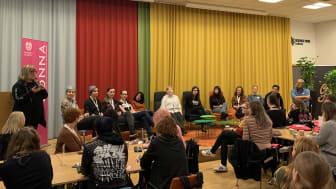 Alla som studerar spelutveckling i högre utbildning i Sverige och som identifierar sig som kvinnor bjuds in till DONNA DAY. Bild från tidigare tillfälle.