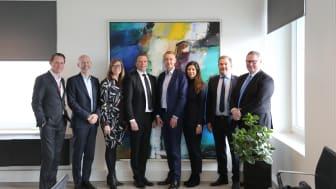 Fra højre: Per Kogut, Jacob Hahn Michelsen, Nana Bule, Søren Svarrer Nielsen, Alexander Nordqvist, Monica Pyndt Grønning, Mikael Mikkelsen, Morten Kvist Thomsen.