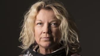 Elisabeth Ohlson Wallin mottar Heders-Red Ribbon 2016.