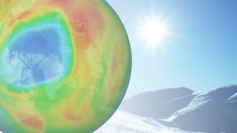 For tiden er det et uvanlig stort hull i ozonlaget over Arktis. I forrige uke befant det seg over nordlige Canada og Grønland, nå beveger det seg mot Skandinavia.