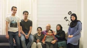 De flyktet fra et krigsherjet Syria. Fra høyre: Amal, Nissreen Ali, Abdalsalam, Taheer, Osama, Mohammad og Umran Azzam.