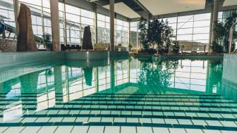 I Åre er der mange forkælelsesmuligheder, når det kommer til spa og wellness. På Holiday Club Bath finder man bl.a. et stort poolområde med både vandløb, bobler, vandfald og udendørspool. Foto: Darren Hamlin