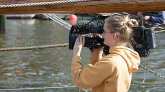 Vill du prova på att arbeta med film i sommar? Då kan regionens feriepraktik i Örebro vara en möjlighet.