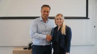 Joachim Sandoff, Global Account Manager ESSVE Industry och Madeleine Lundmark, Inköpare, Lindbäcks Bygg