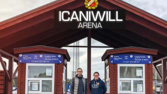 Bild-montage av nya skylten till ICANIWILL Arena. Från vänster, Gustaf Ollas och Falu BS ordförande Johan Hedberg