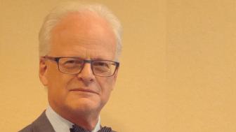 """""""Här ser vi tre månaders förlängd progressionsfri överlevnad av att fortsätta behandla med panitumumab"""", säger Jan-Erik Frödin, docent i onkologi och en av landets mest erfarna experter på kolorektalcancer."""