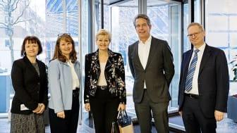 Minister for Fiskeri og Ligestilling og Nordisk Samarbejde, Eva Kjer Hansen (i midten) besøgte 24. januar Nestlé Danmark for at blive inspireret af virksomhedens resultater inden for ligestilling.