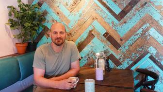 Andreas Harrysson driver restaurang Tranquilo och har valt att ge ett långsiktigt stöd genom att vara företagsfadder.