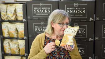 """""""Hyvä maku kuuluu jokaiselle"""", Ebba Dåhli kiteyttää WS-tuoteperheen ydinajatuksen. Kuva: Weekend Snacks"""