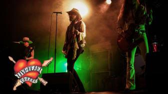 """Konsertfilmen """"Upside Down"""" med Electric Boys förhandsvisas under Live At Heart i Örebro!"""