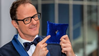Felix Burda Award 2021: Vince Ebert mit dem Ehrenfelix