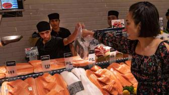 Thailenderne er glade i norsk laks, men tror den er fra Japan. Nå skal Sjømatrådet styrke kjennskapen til laks fra Norge.