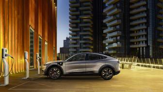 Lanserer ny Ford-hjemmelader: Kan lade fra 10% til 80% på seks timer
