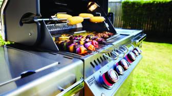 Under meget tørre perioder kan man stadig grille med gas under forudsætning af, at den står på et ikke-brændbart underlag, og at grillen er under konstant opsyn.