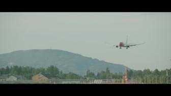 Boeing 737-800 lander på OSL.