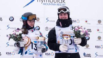 Oskar utsedd till Rookie of the Year tillsammans med Anastasiia Smirnova från Ryssland. Foto: Mateusz Kielpinski FIS