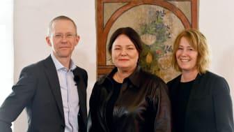 Håkan Andersson, presschef Riksbyggen, Catherina Fored, vd för HSB i norra Stor-Stockholm och Johanna Frelin, vd för Riksbyggen.