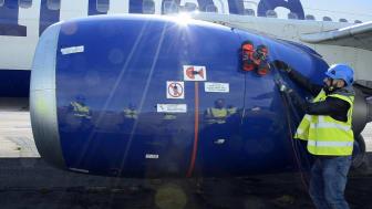 Klättrande robot kan inspektera flygplan