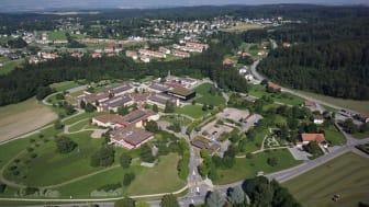 Nestlés nye institut for emballagevidenskab, som er en del af Nestlés globale forskningsorganisation, vil blive placeret i Lausanne, Schweiz. Det vil beskæftige omkring 50 mennesker og inkludere et topmoderne laboratoriekompleks.