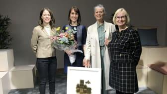 Från vänster i bild: Ylva Berg, CIO Tyréns, Pernilla Thessén chef för BAX på Tyréns, CMB:s vd Carina Bohm och Kicki Björklund, Guldhusjuryns ordförande.