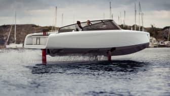 Candela C-8 flies on computer-guided hydrofoils. With a top speed of 30 knots and a cruise speed of 24 knots, it rivals fossil fuel powerboats in terms of performance while offering a whisper quiet ride and far better comfort.