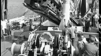 Lossning av pappersmaskin, Värtahamnen