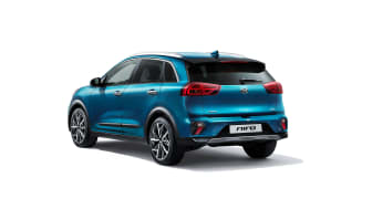 kia_pressrelease_2019_PRESS_1920x1080_HEV-rear-white