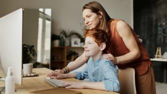 Med koronakrisen har en hverdag hvor man må delta på jobb og skole digitalt kommet raskere enn forventet.