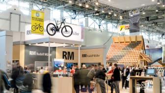 Auf der DACH+HOLZ 2020 in Stuttgart präsentiert die Rudolf Müller Mediengruppe in Halle 4, Stand 416, ihr Medienangebot für Dachdecker, Holzbauer und Zimmerer.