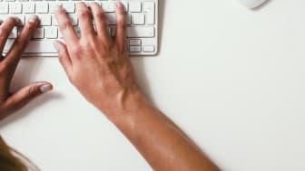SIe möchten qualitativ hochwertigen Content liefern, haben aber nicht genügend Ressourcen? Mit Outsourcing kann es trotzdem klappen.